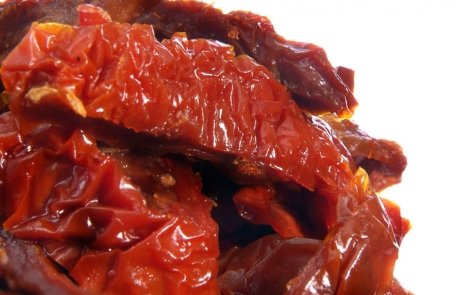 Getrocknete eingelegte Tomatenhälften Produktecke